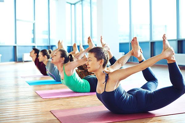 Йога фитнес комплекс упражнений для